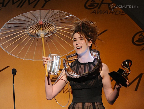 "Imogen Heap laughs out for success as she receives Grammy for ""Best Engineered Album, Non-Classical"" for her album ""Ellipse"